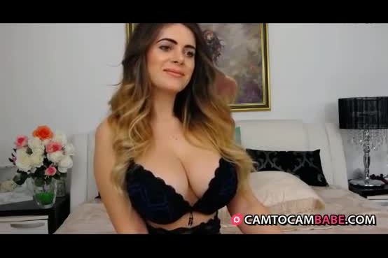 Beautiful girl shows ass for free